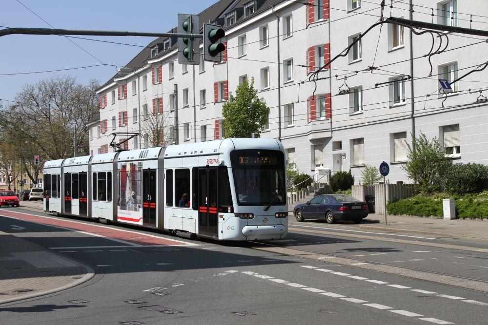 StraB TW 525 B der Bogestra auf der Linie 306 nach Bochum Hbf.
